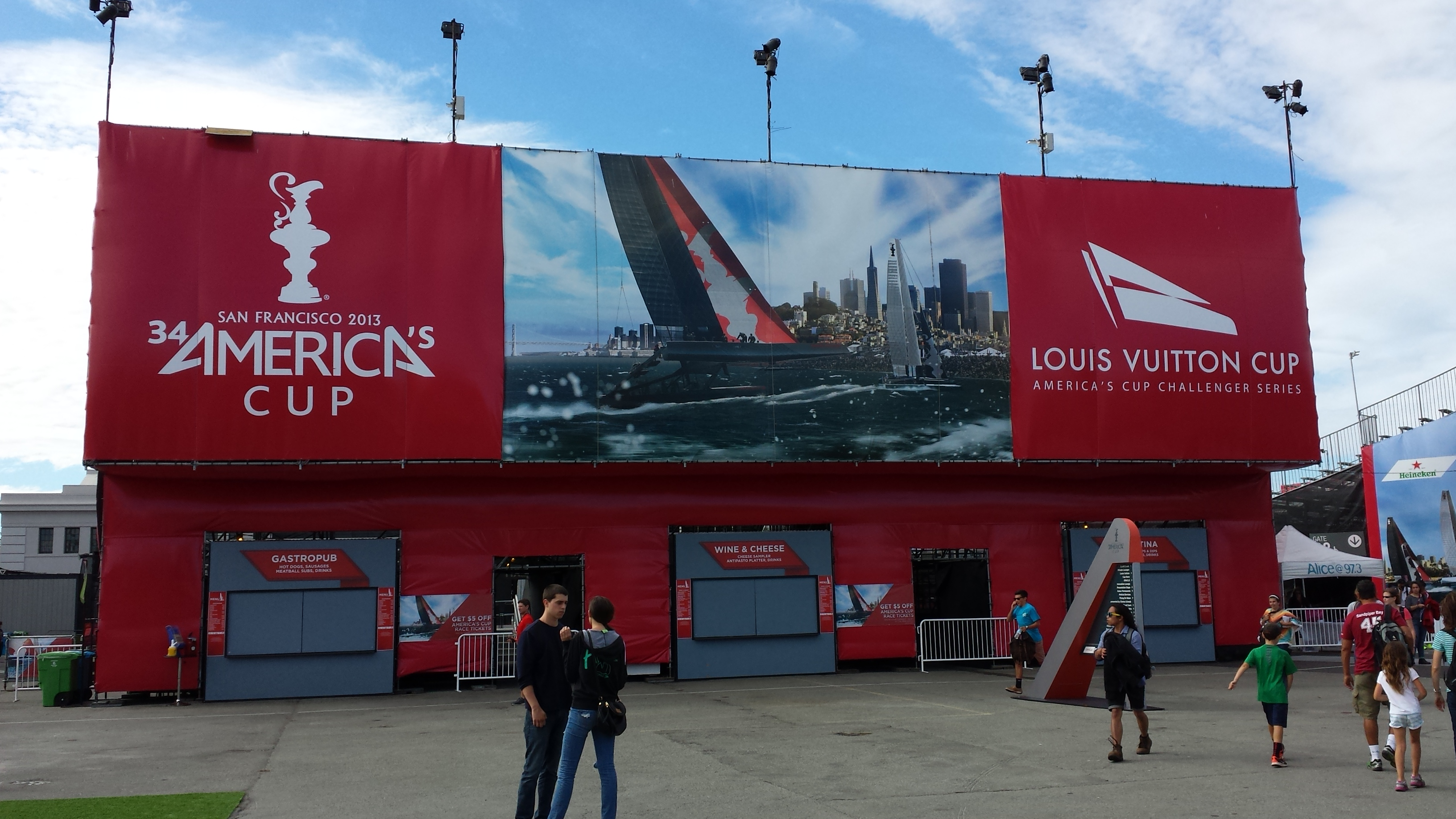 America's Cup Sports Bar