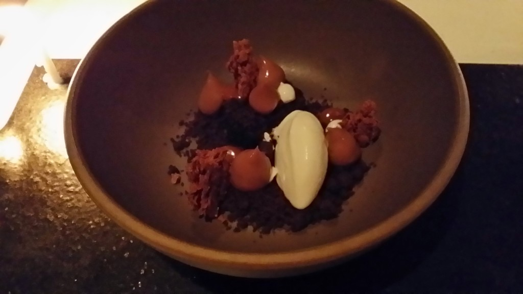 Caramelia cream, chocolate cake - sour cream, mascarpone ice cream, hazelnut, cocoa streusel